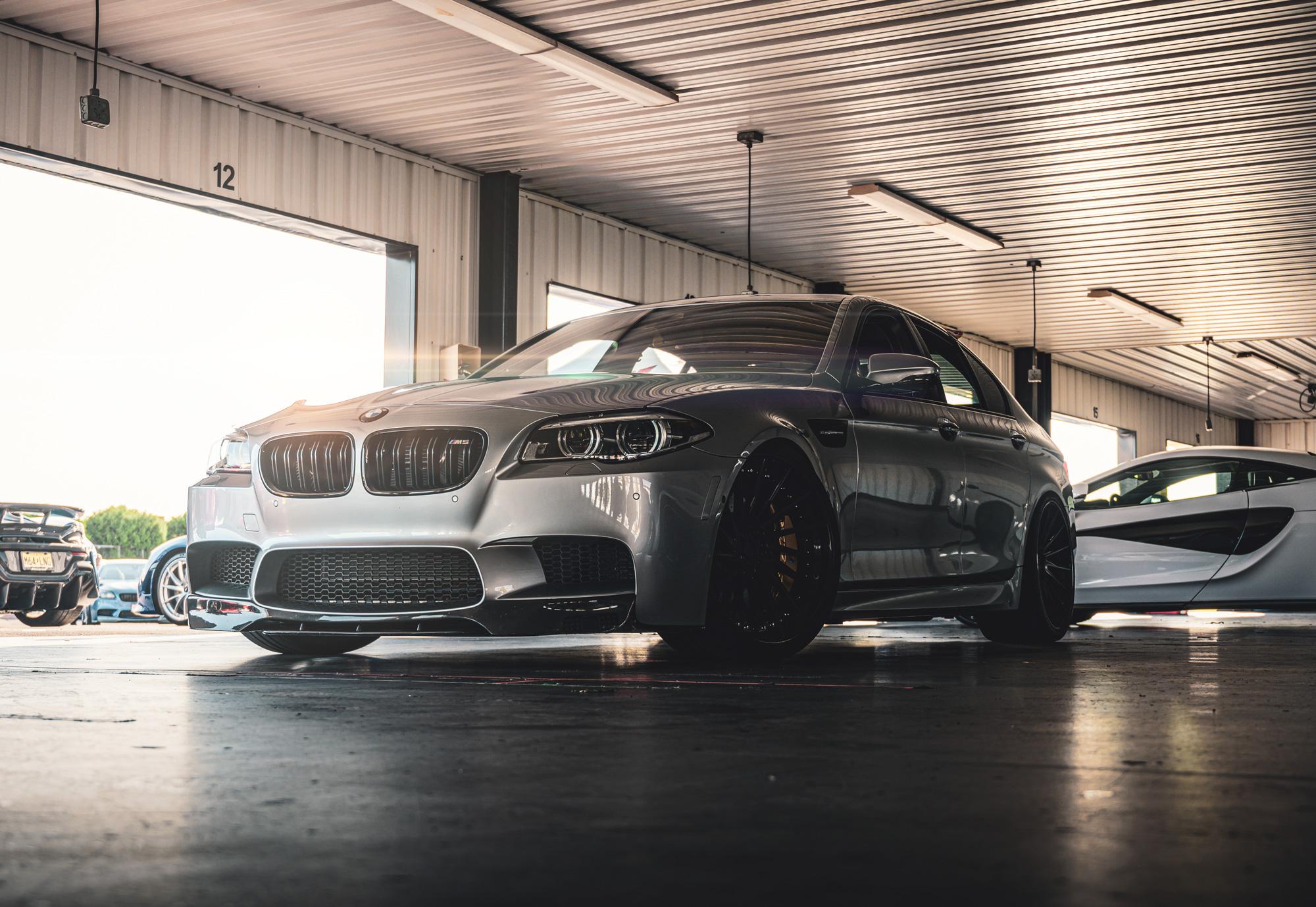 bmw-m5-garage