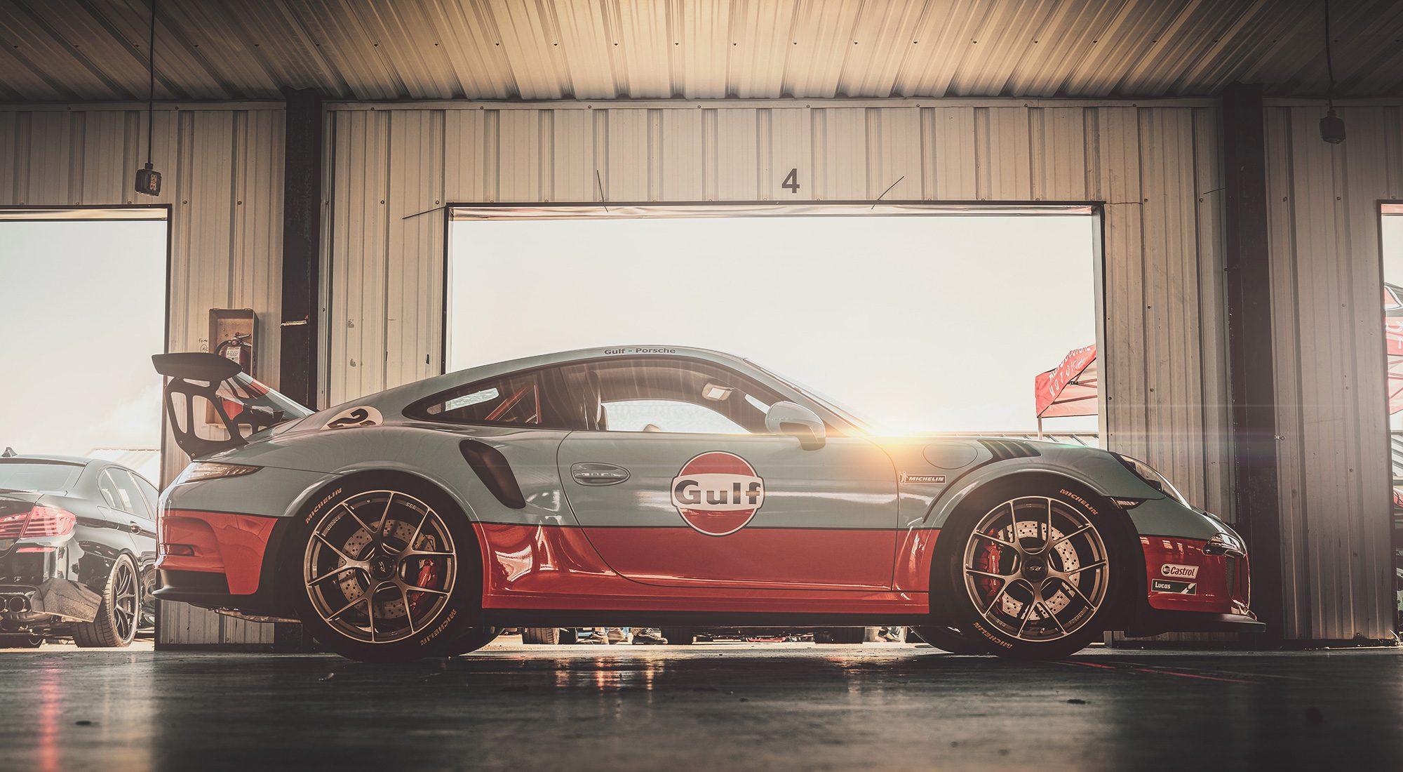Tutorial: 4 Rules for Adding Lens Flair – Gulf Porsche 911 GT3