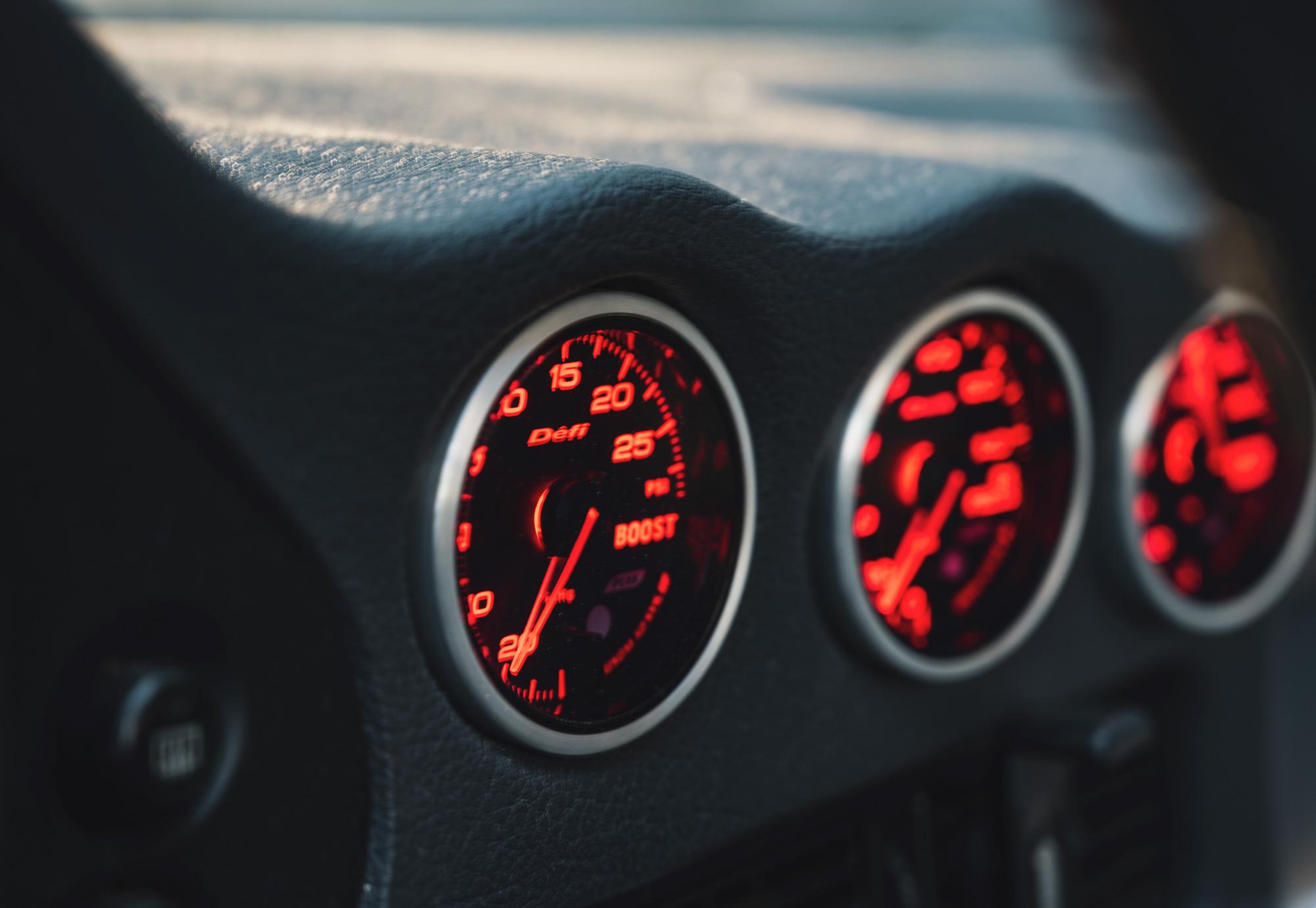 3000GT boost gauge