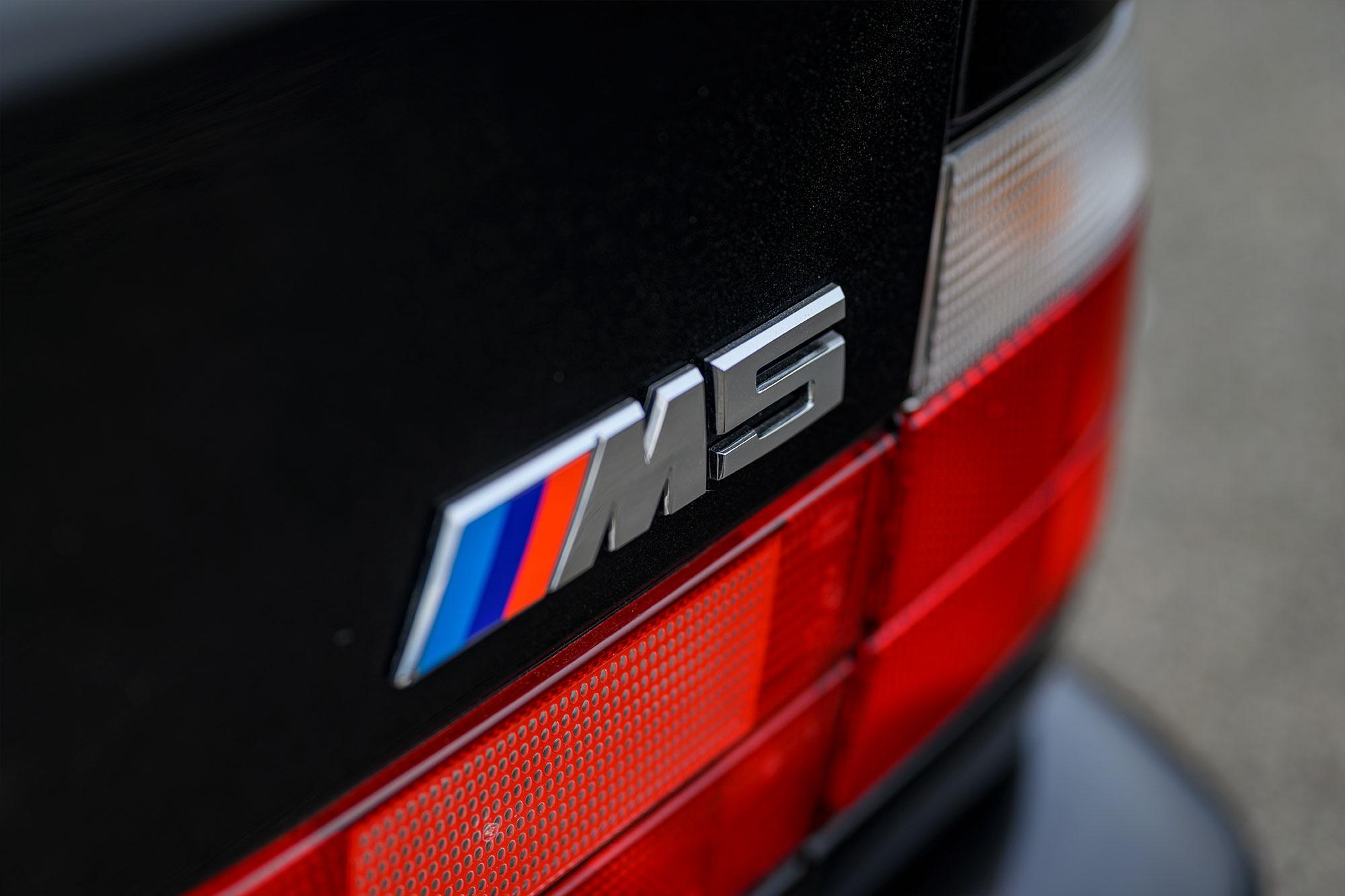 E34 M5 badge