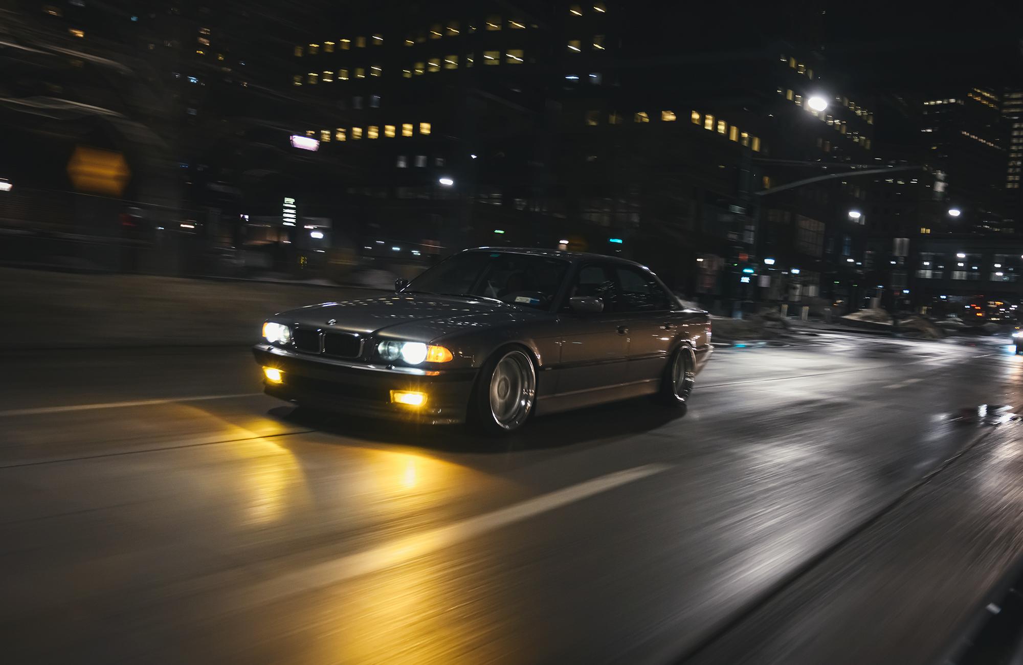 BMW E38 7 Series roller
