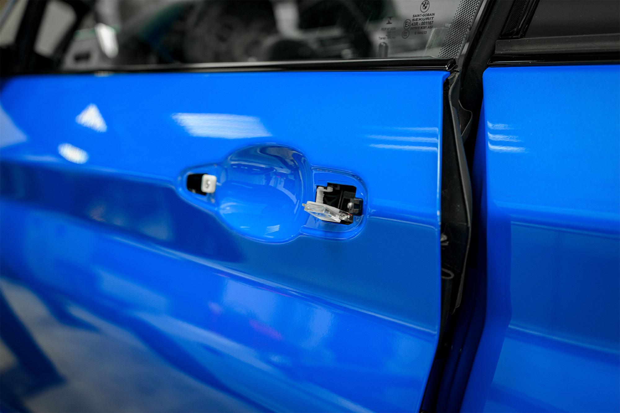 BMW M2 CS door handle
